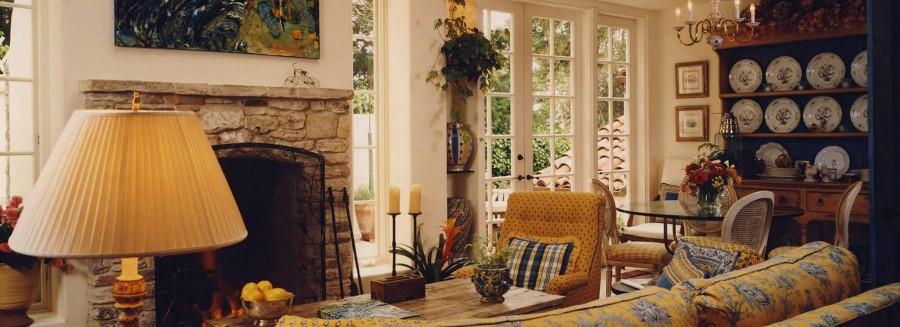 Mediterranean Villa - Family Room