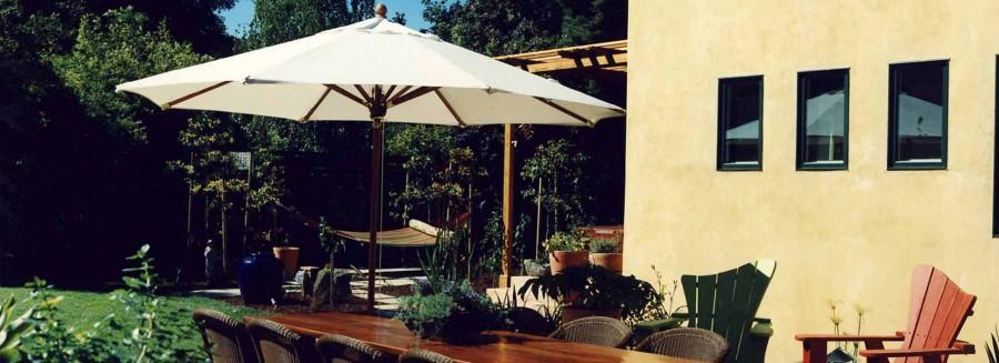 Spanish Bungalow - Backyard Dining ROom