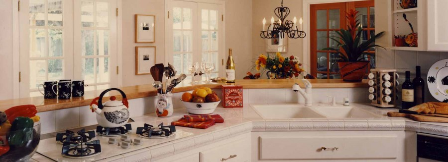 Art Collector Cottage - Dine-in Kitchen